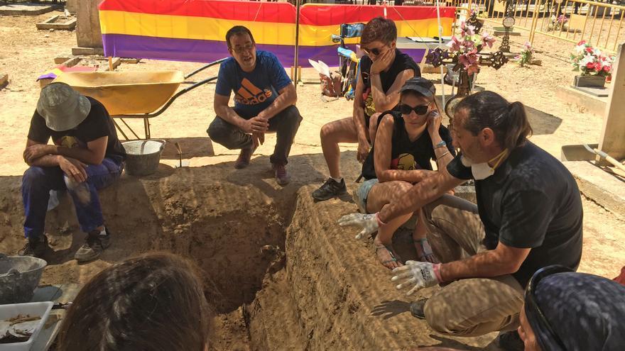 En el primer intento no se encontró nada donde creían que estaba enterrado.