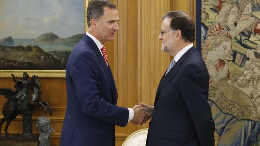 Rajoy acepta el encargo del Rey de intentar conseguir los apoyos pero no anticipa si irá a la investidura