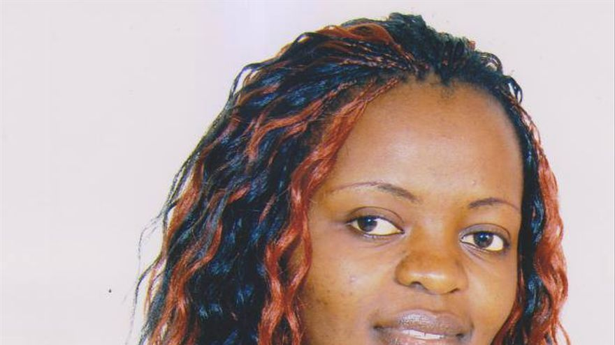 Perseguida en Camerún por lesbiana, Christelle se arriesga a ser expulsada de Barajas y enviada de vuelta a su país