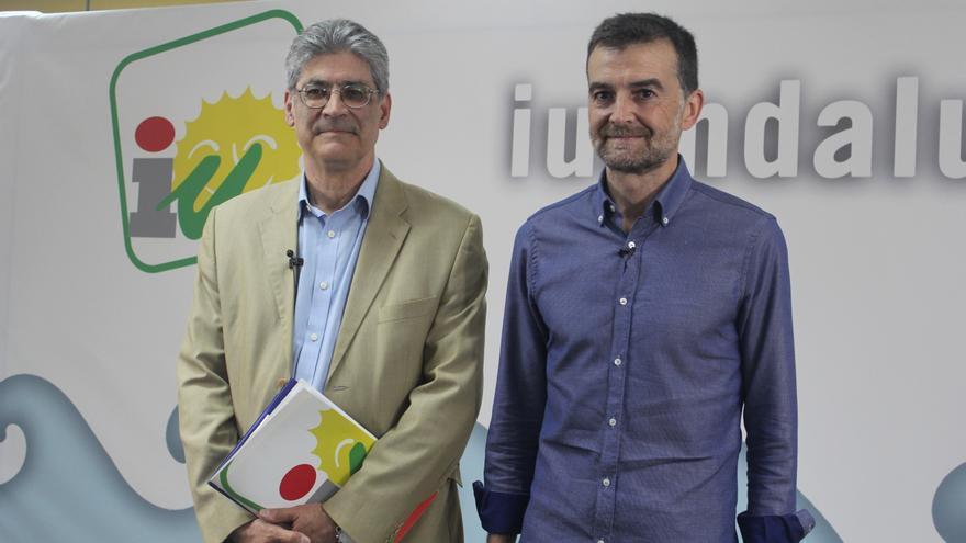 José Antonio Pérez Tapias y Antonio Maíllo en el posado previo.