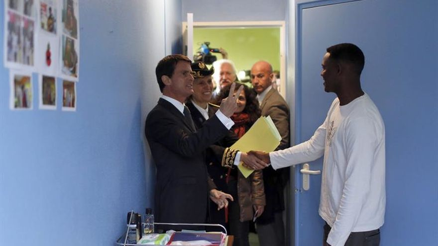 Valls urge al Reino Unido a acelerar la recepción de los menores de Calais