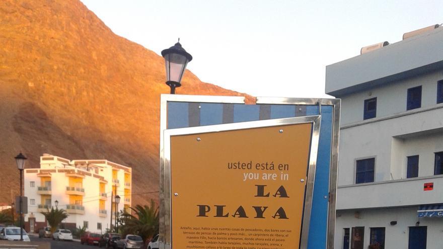 Cartel situado en La Playa