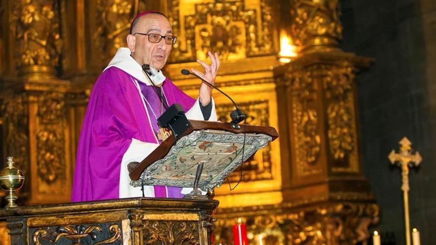 El papa nombrará cardenal al arzobispo de Barcelona, Juan José Omella.