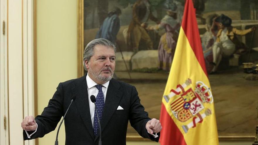 """Méndez de Vigo: Hay """"más ruido que nueces"""" en las acusaciones a De la Serna"""