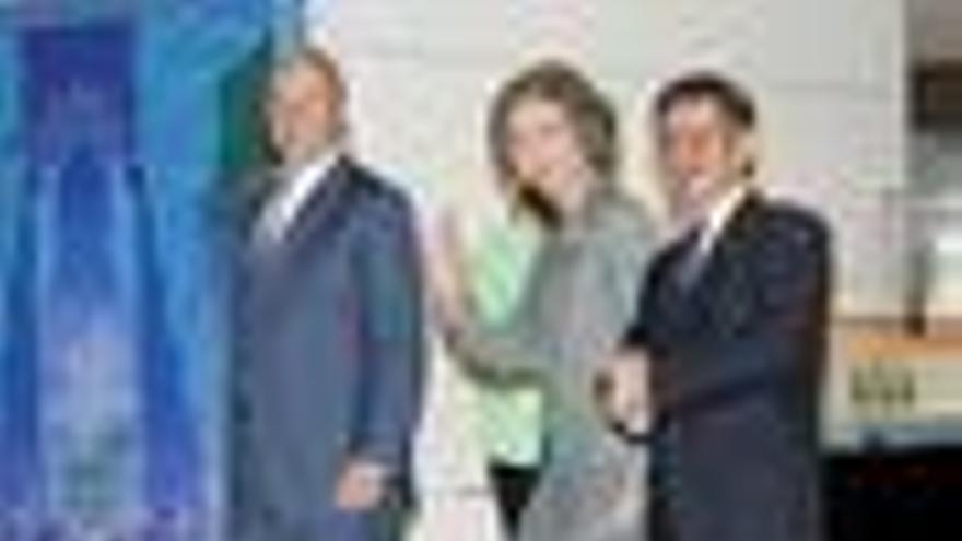 """El Rey elogia la """"valiosa labor"""" y """"excelencia"""" de los premiados"""