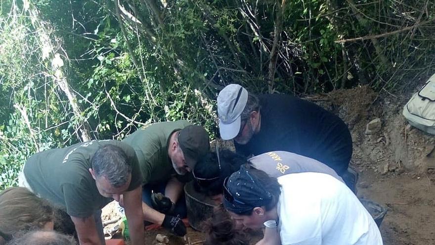 Exhumados los restos de dos víctimas del golpe militar de 1936 en la localidad de Artazu