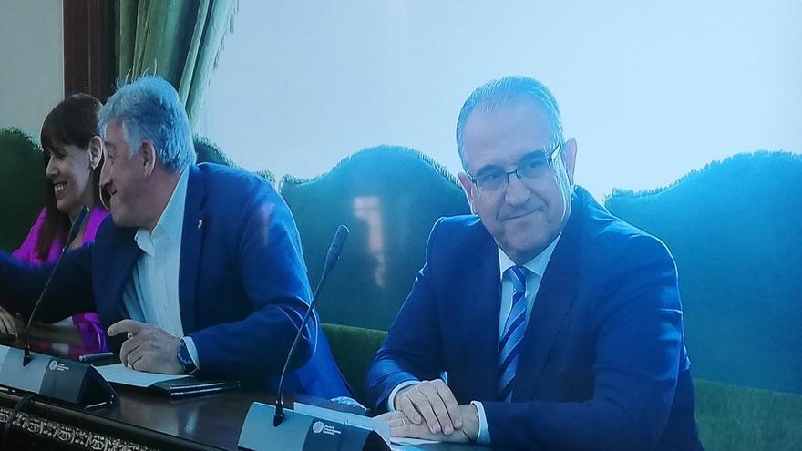 Enrique Maya (Navarra Suma) vuelve a ser alcalde de Pamplona después de ocupar el cargo entre 2011 y 2015
