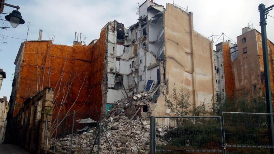 Vivienda derrumbada en Alcoi por los efectos del temporal, donde se encontró a una mujer muerta