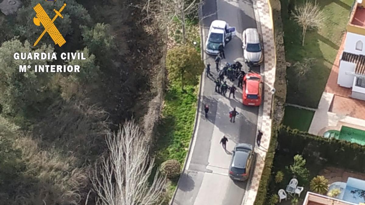 Efectivos de la Guardia Civil detienen este viernes a un hombre de 34 años por presuntamente apuñalar a una mujer de 29 en Albolote