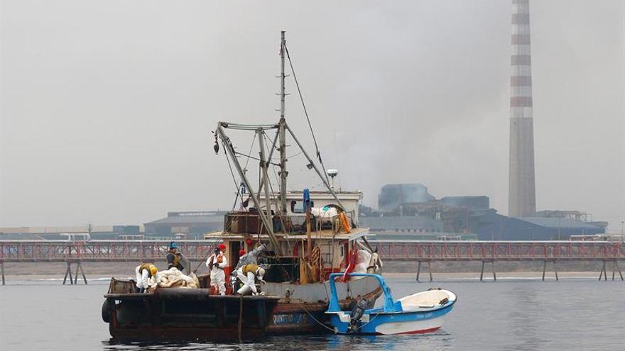 Fallo mecánico en monoboya provoca un derrame de crudo en Bahía de Algeciras