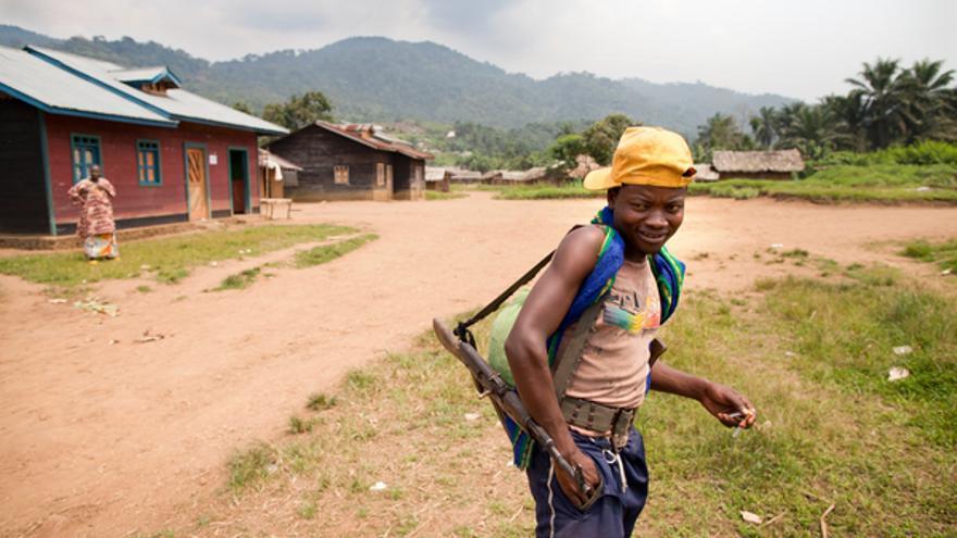 Niño soldado en Ntoto, norte de Kivu, República Democrática del Congo, enero de 2012 © Blattman
