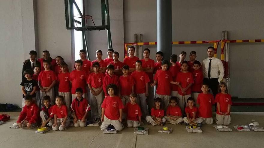 Participantes del Club Dorya en el campeonato.