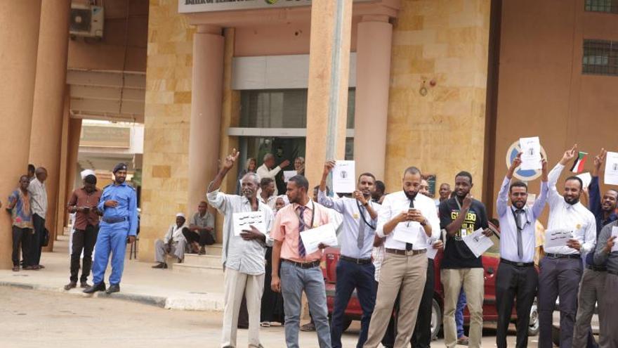 Comercios cerrados y servicios paralizados por la huelga en Sudán