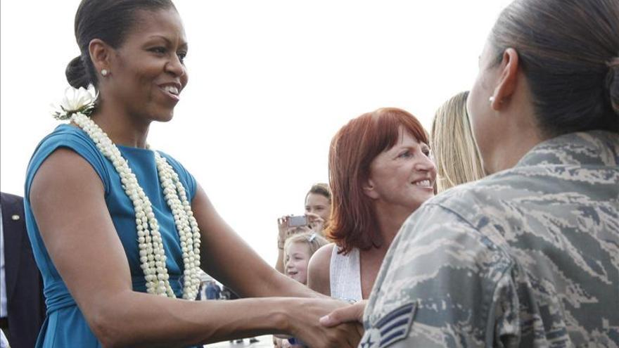 """Michelle Obama continúa en Hawái como """"regalo"""" por su 50 cumpleaños"""