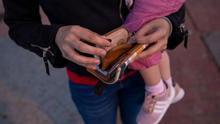 El Gobierno estima que el ingreso mínimo vital sacará de la pobreza extrema a más de 400.000 menores