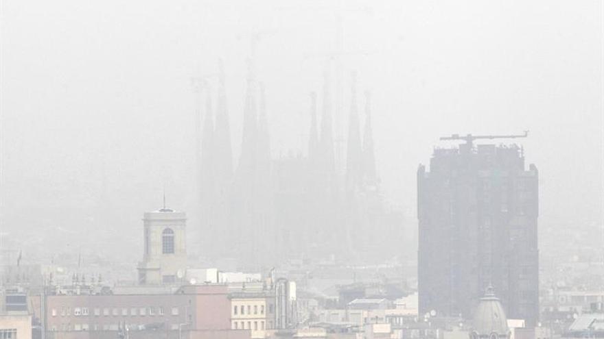 Vista velada de Barcelona.