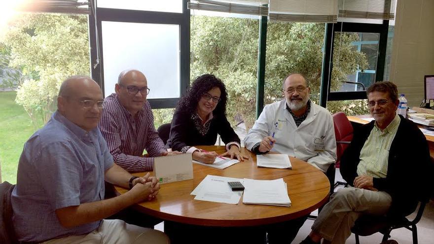 En la imagen, reunión matenida para impulsar la colaboración entre el Hospital de Dolores y el General