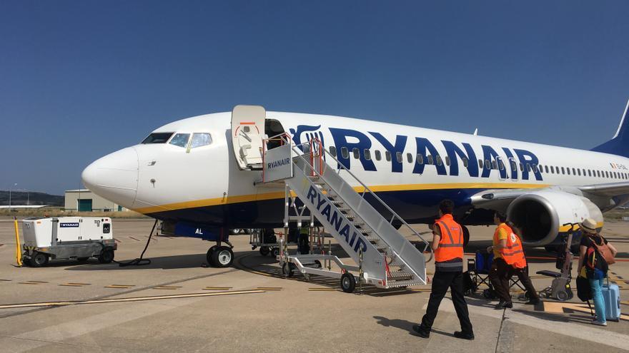 Avión de Ryanair con destino a Italia, el pasado mes de julio en Foronda