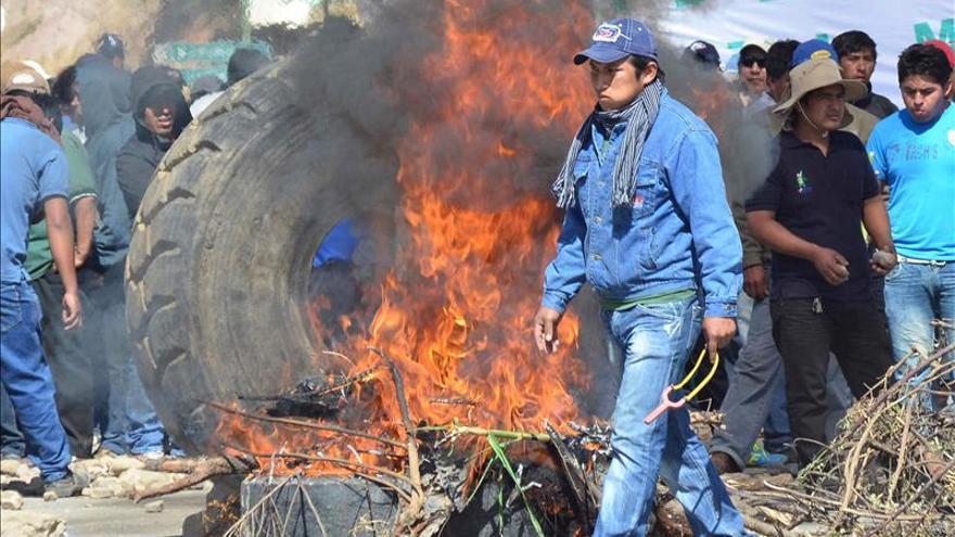 Paralizan la mayor mina estatal de Bolivia para exigir una reforma de las pensiones