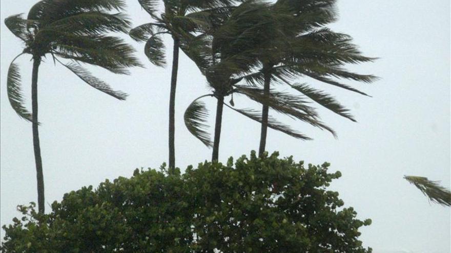 La tormenta Melissa causa fuerte oleaje y marejadas en las Bermudas y Bahamas