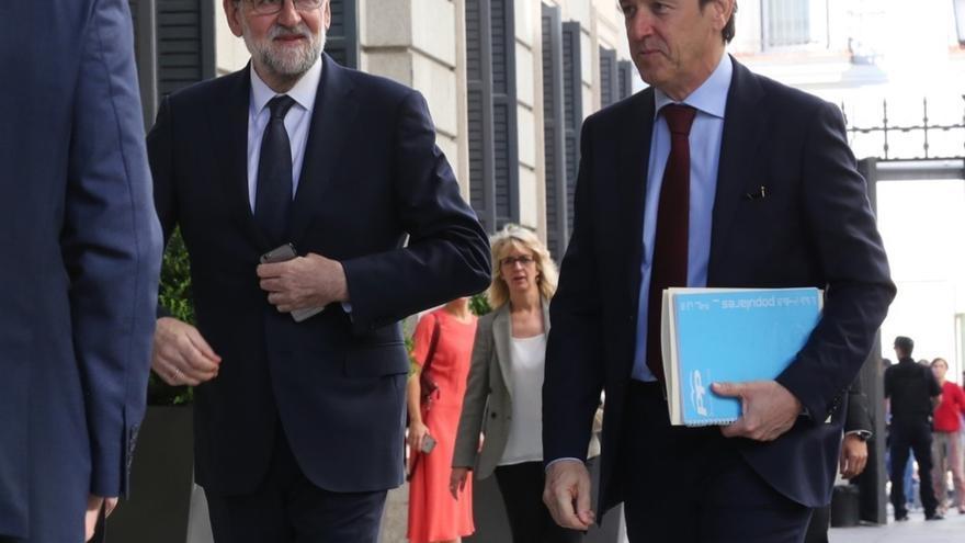 """Rajoy replica a la moción de censura subrayando que el PP representa a una """"gran mayoría"""" y trabaja """"en favor de todos"""""""