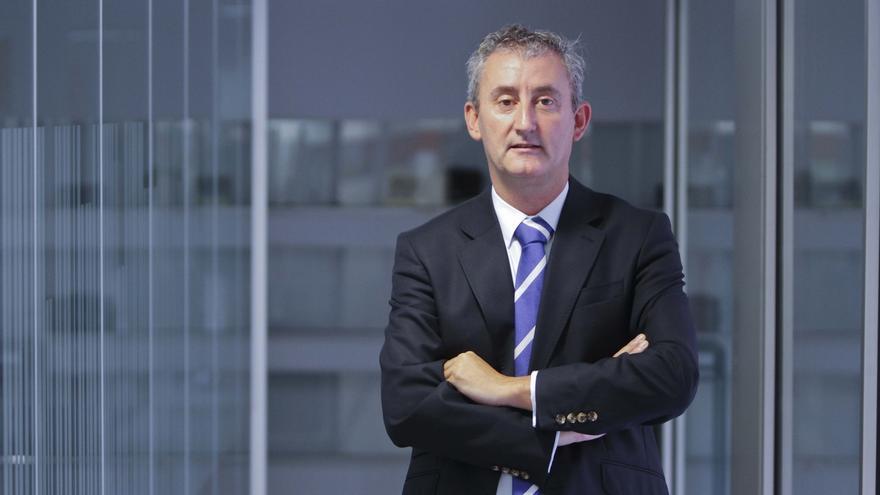 Tomás Cobo, reelegido presidente del Colegio de Médicos de Cantabria