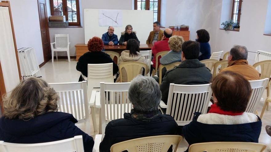 Ester Bolado durante la presentación del proyecto a los vecinos.