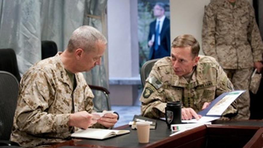 General David Petraeus Y General John Allen
