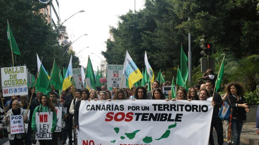 Manifestación contra la Ley del Suelo en Santa Cruz deTenerife