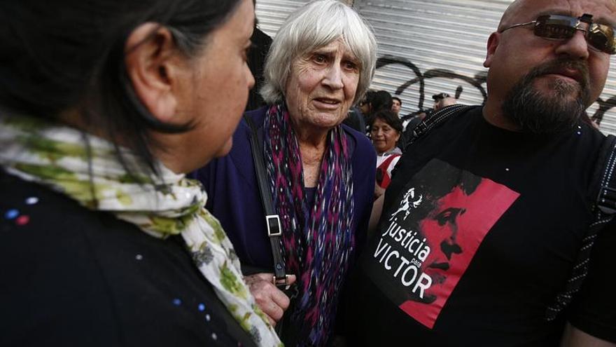 Mil guitarras recuerdan en Chile a Víctor Jara a 45 años de su asesinato