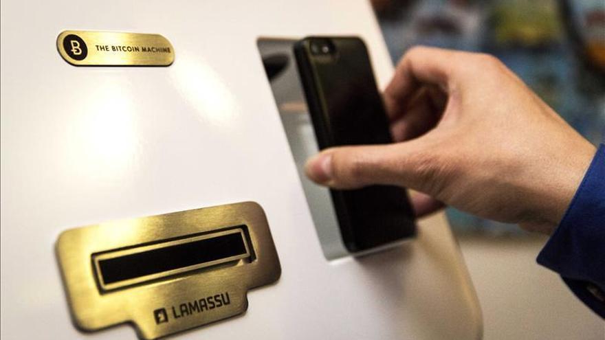 Instalado el primer cajero de moneda digital, bitcoin, en Madrid