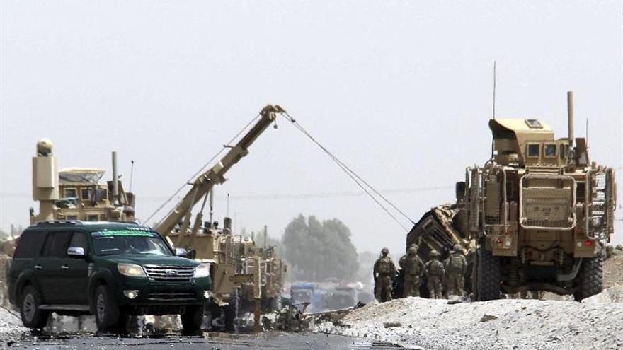 Un ataque suicida contra un convoy de la OTAN causa víctimas en Afganistán