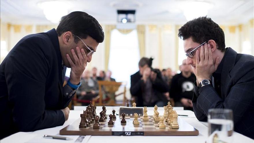 El quíntuple campeón mundial Anand contra los nuevos talentos en Bilbao
