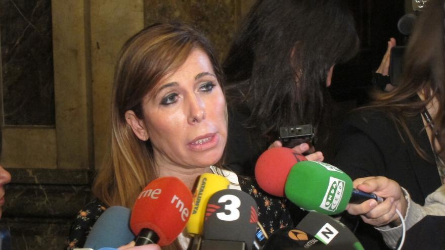 Camacho avisa a Artur Mas de que Rajoy no le recibirá para hablar de la consulta