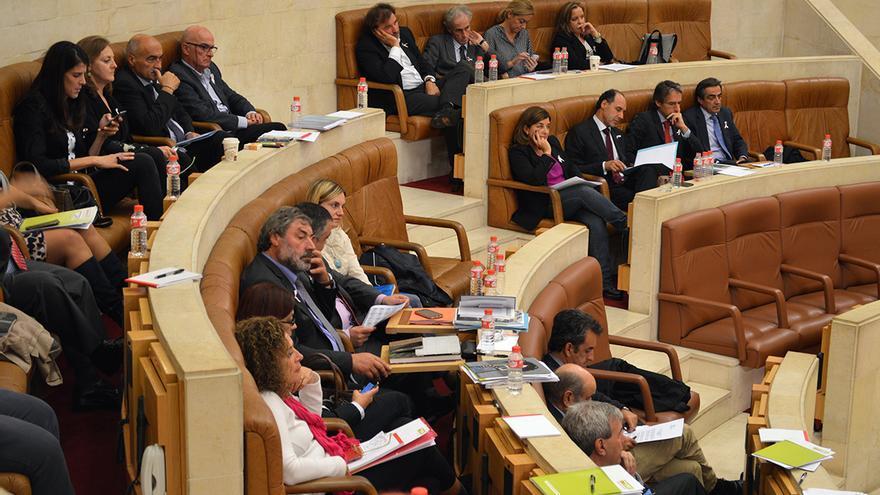 El portavoz del Partido Popular, Eduardo Van den Eynde, se ausentó durante el debate. | Laro García