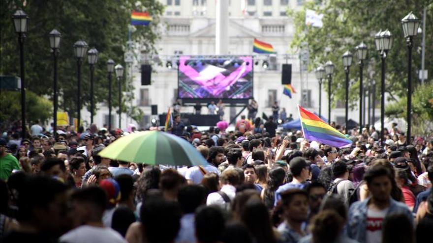Una nueva versión del Gay Parade congrega a miles de chilenos en Santiago