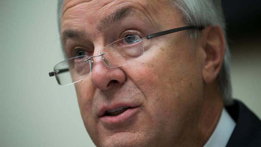 El consejero delegado de Wells Fargo renuncia a 41 millones tras escándalo
