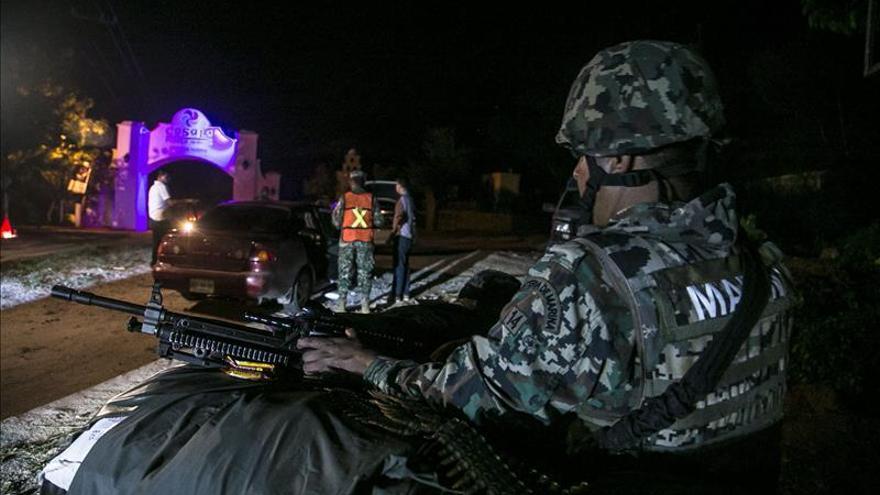"""La Armada de México busca a """"El Chapo"""" en la sierra de Badiraguato"""