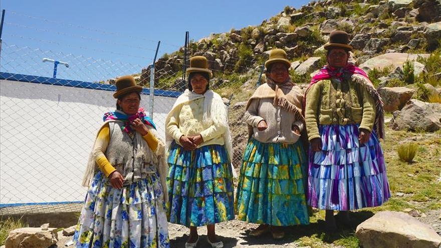 La Aecid impulsa en Bolivia la implicación de la mujer en la gestión de agua
