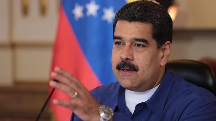 """Maduro pide a Rajoy que saque """"sus narices de Venezuela"""""""