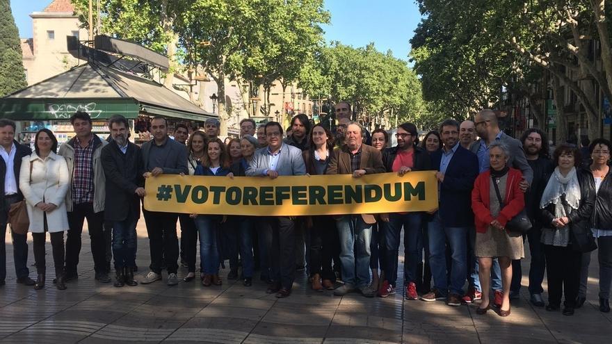 El Pacte pel Referèndum alcanza los 5.000 voluntarios para recoger firmas en Sant Jordi