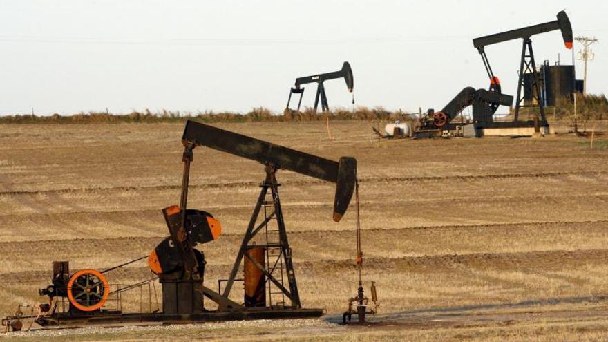 El petróleo de Texas abre con un alza del 1,33 % hasta 32,71 dólares
