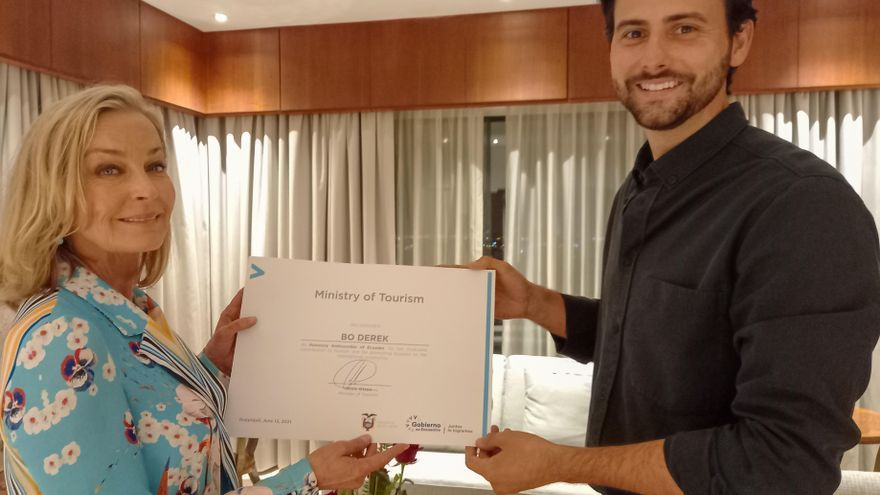 Bo Derek es nombrada embajadora turística de Ecuador