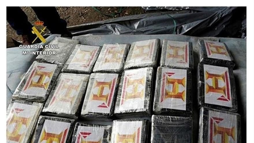 La Guardia civil intercepta un camión con 127 kilos de cocaína en Lorca