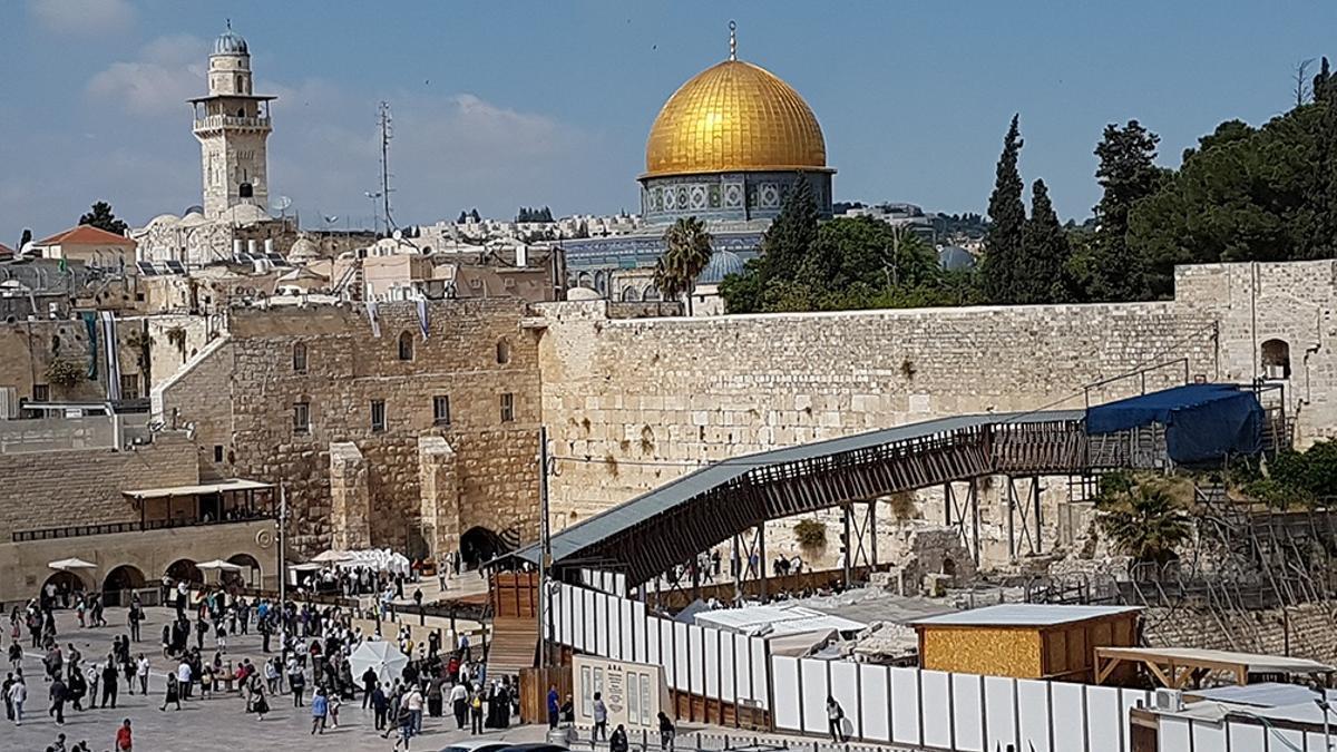 En Jerusalén, en la derecha judía cada son más y cada vez más jóvenes: ya no quieren el Muro de los Lamentos, quieren la Explanada de las Mezquitas.