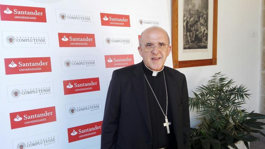 El arzobispo Carlos Osoro en el curso de verano de la UCM. / S.P