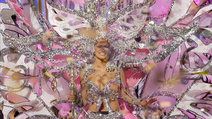 """Paula Miranda se corona reina del Carnaval de Las Palmas """"Los locos años 20"""""""