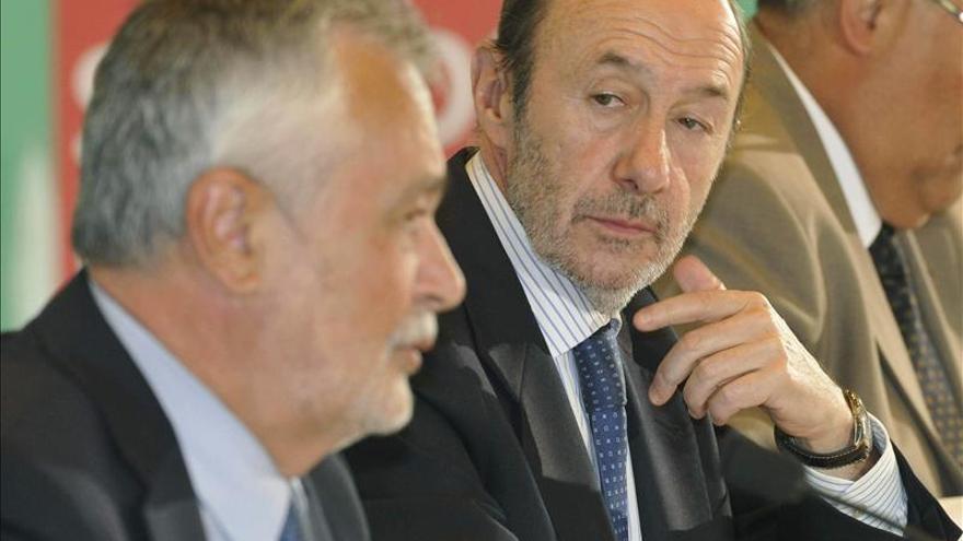 Rubalcaba pone de ejemplo Andalucía para un pacto de reactivación económica