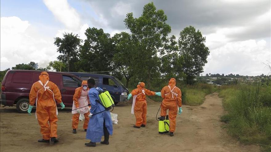 Huelga de sanitarios en el único centro de ébola en el sur de Sierra Leona