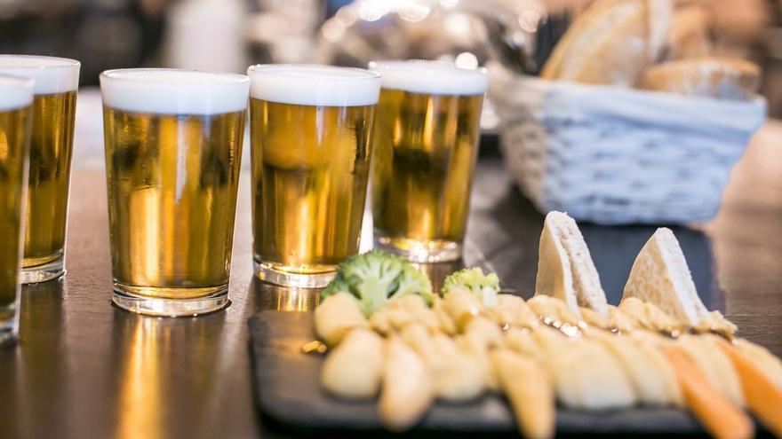 Los vascos asocian el verano ideal a la playa, la cerveza, las tapas y sus actores favoritos